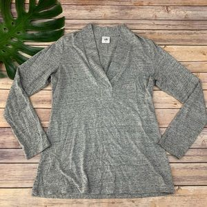 Cabi heather gray long sleeve v-neck placket tee